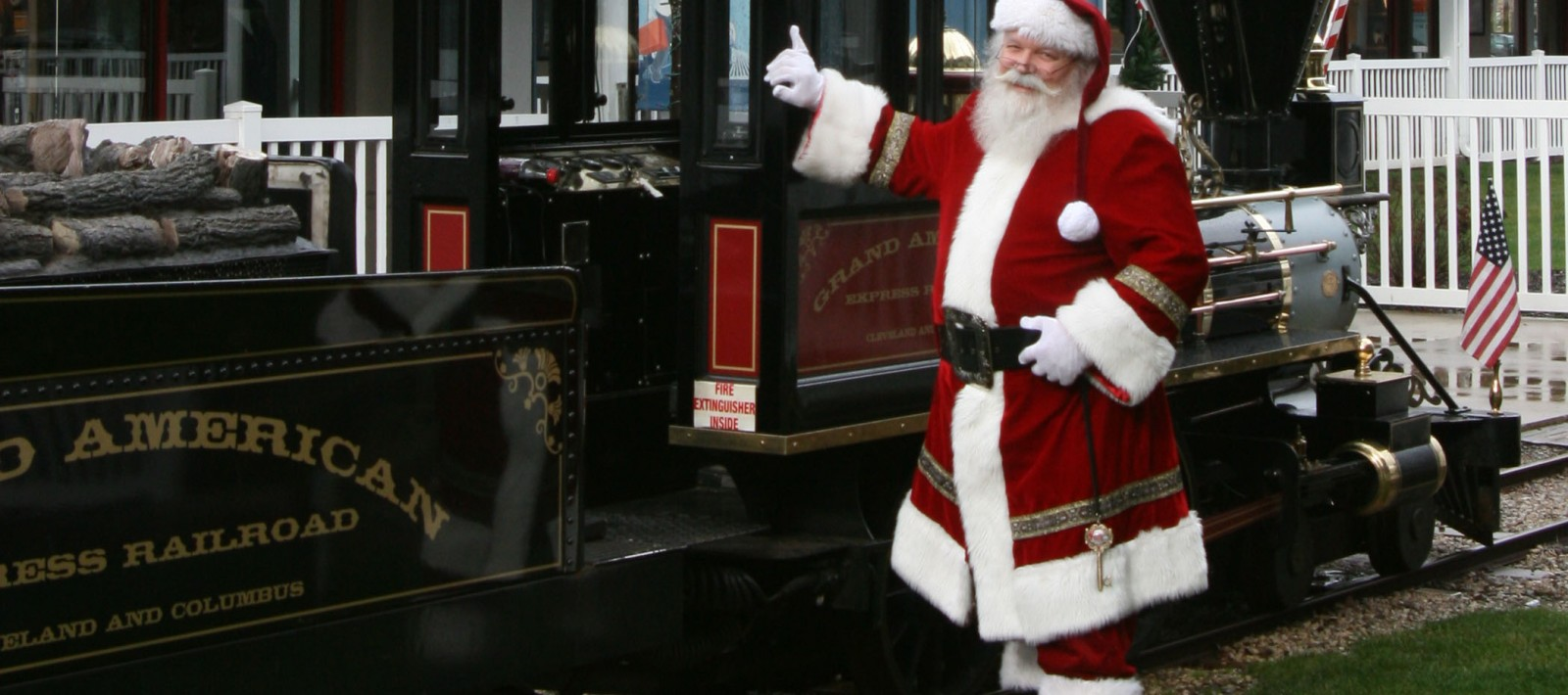 Santa Express Train at Ohio Station Outlets