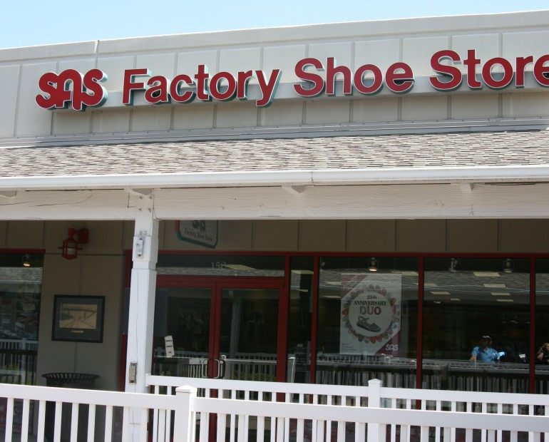Shop women's outlet shoes on clearance at the G.H. Bass & Co. Factory Outlet. Freshen up your closet with great shoes on clearance! Free shipping on orders $75+.